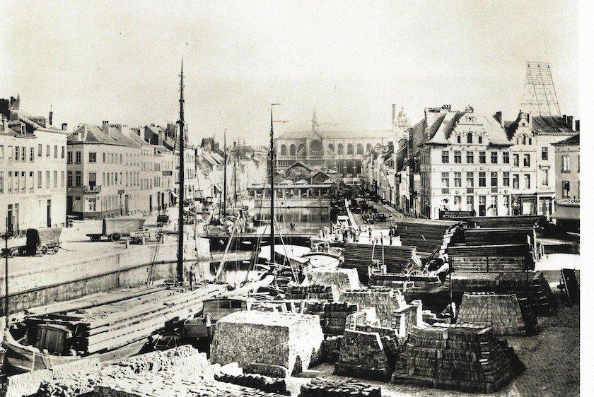 Bruxelles-Brussel : Une Traversée Urbaine